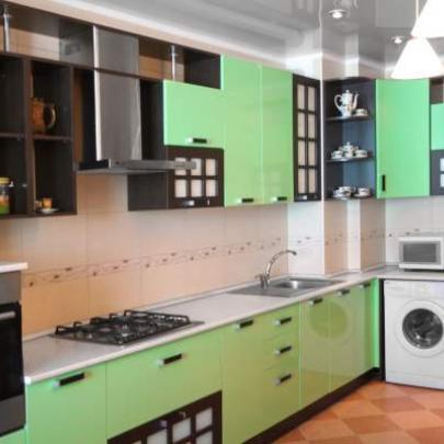 Фото зеленой кухни из магазина Кухмастер в Саратове